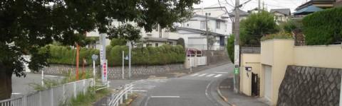 アニメ「トリニティセブン」第1話背景探訪 多摩市桜ヶ丘